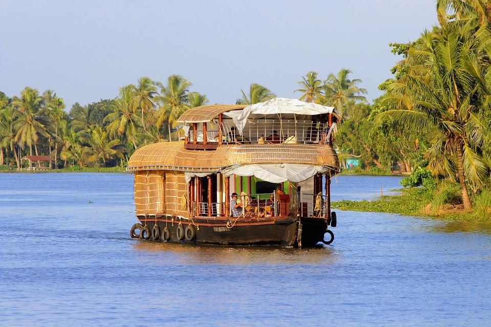 Kerala Backwater Houseboat Packages